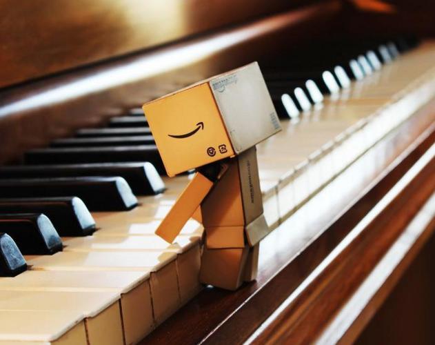 学员编配弹奏左手单音伴奏划小船_简谱键盘即兴伴奏