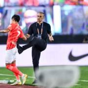 粵媒:恒大決定由卡帥帶主力出征亞冠,余下球員踢足協杯