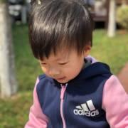 2岁丫头讲故事