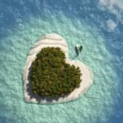 没有谁是一座孤岛,总会有人为你千里迢迢